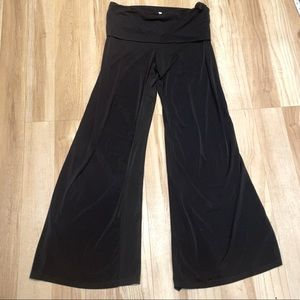 3for30! SLEEK BLACK FLARE DRESS PANTS